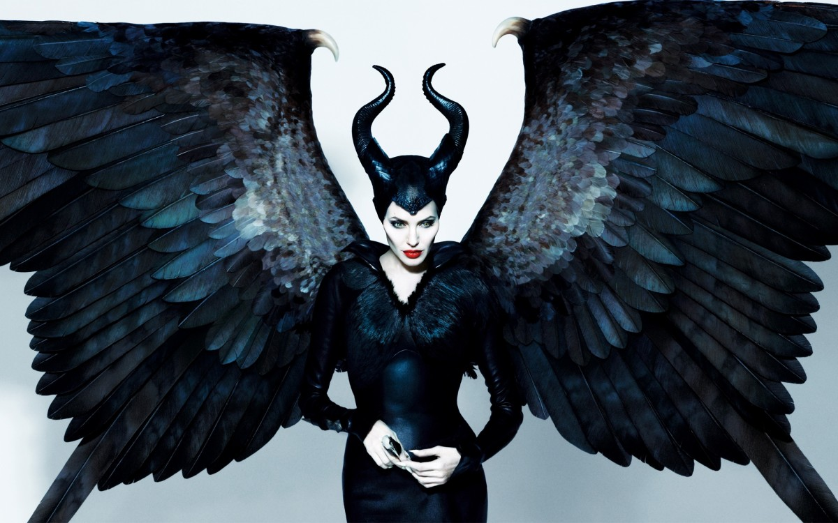 Get The Look Halloween Edition: Angelina Jolie Makeup In Maleficent  Style  Tomes